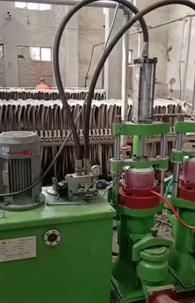 柱塞泥浆泵在陶瓷行业现场视频